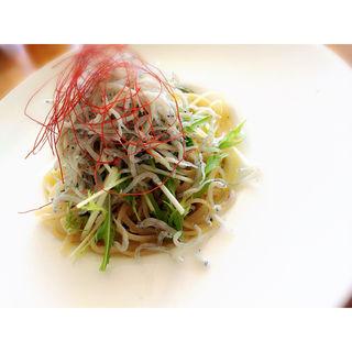 釜揚げしらすと岩のりのぺペロンチーノ ランチ(サザンビーチカフェ (southern-beach Cafe))