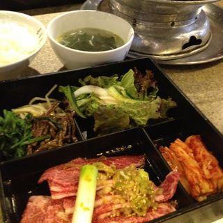 焼肉弁当(長春館 (チヨウシユンカン))