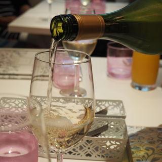 ビューティーワイン(アドニス ティ テーブル (Adonis T table))