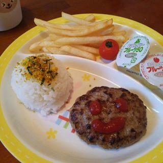 キッズハンバーグプレート(お座敷cafe HanaMomo)