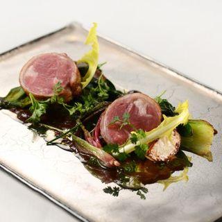 塩漬け岩中豚バラ肉のコンフィ(cuisine francaise emuN)
