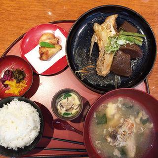鯛カマの煮付け定食(七福 ゑびす )