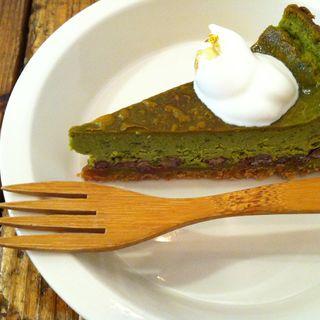塩あずきの濃厚抹茶チーズケーキ(健康カフェ実身美サンミsangmi 京橋店)