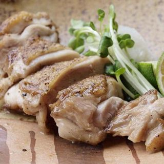 鶏モモ肉のグリル(炭火焼 縁)
