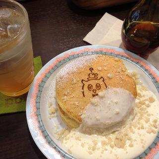 トッピングが選べるパンケーキ(ポッロ (pollo))