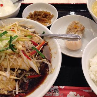 鮮魚のネギ生姜蒸し(華錦飯店)