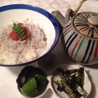 梅とじゃこの茶漬け(gindachi (ギンダチ))