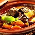 牛タンと野菜のワイン煮込み