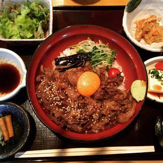切り落とし牛丼(ぬる燗 佐藤)