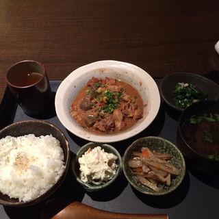 土手煮定食(輝 (きらり))