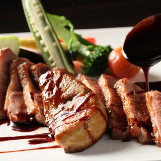 フランス産鴨胸肉と一枚フォアグラのロースト(Ginsai 銀座 )