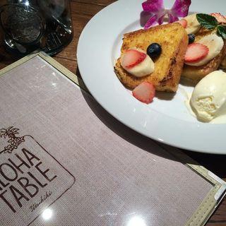HAWAIIAN HONEY FRENCH TOAST ベリーベリー(ALOHA TABLE Kyobashi)