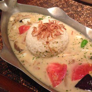 シーフードグリーンカレー(アジアン麺茶 大阪マルビル店)