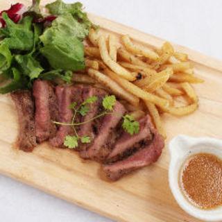 馬肉ステーキ(肉バル HACHIKU )