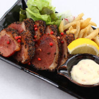 合鴨のペッパーステーキ(肉バル HACHIKU )