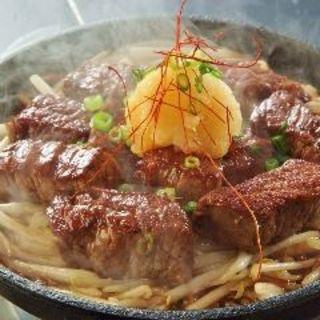 和牛のランプステーキ鉄板(肉バル HACHIKU )