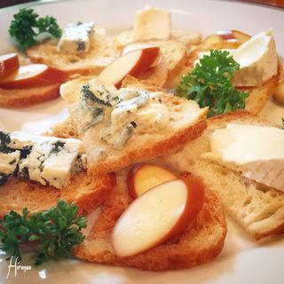 チーズ3種盛り合わせ(居酒屋ラモンタ)