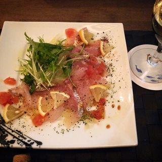 連子鯛のカルパッチョ(Dining&Bar to.to )