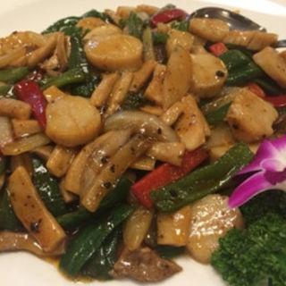 帆立と夏野菜の豆豉炒め(京華楼 中華街)