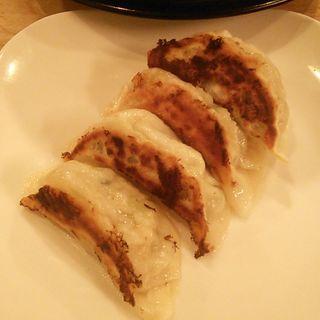 ニンニク入り餃子 4個(ソラノイロ ソルトアンドマッシュルーム (ソラノイロ salt & mushroom))
