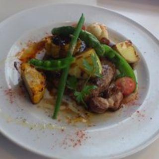お肉のランチ(ビブラビテーブル )
