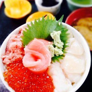 海鮮丼定食(大遠会館 まぐろレストラン )