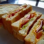 ハムとチーズのトーストサンドセット(喫茶シララ (【旧店名】喫茶 テラマチ))