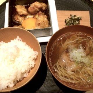 ランチ(大山鶏すきやき×三元豚角煮 支那そば)(茶洒 金田中)