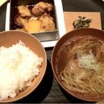 ランチ(大山鶏すきやき×三元豚角煮 支那そば)
