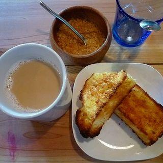 珈琲牛乳(喫茶店uzuビバレッヂ (ウズ))