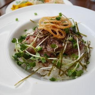 炭火焼ステーキ丼(KICCOLY (キッコリー))