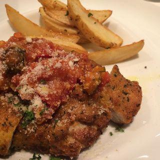 鶏もも肉のトマト煮込み(POLLO (イタリアンバールポッロ))