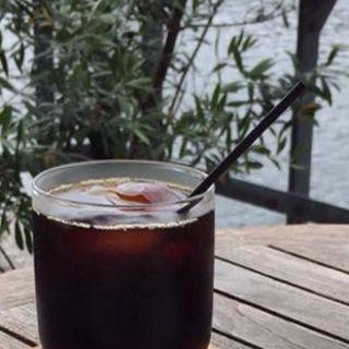 細かく挽いたフォルテのアイスコーヒー(モトコーヒー (MOTO COFFEE))