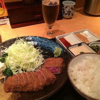 牛かつ・麦めし・とろろセット(牛かつ もと村 新橋店 )
