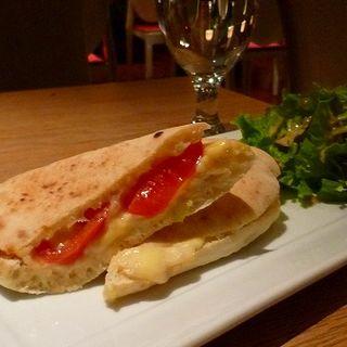 生トマトとカニクリームグラタンのホットサンドセット(シャバ リバ (SHAVA LIVA))
