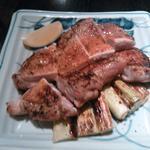 鶏もも肉の粗塩焼き