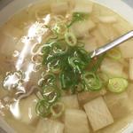 おつゆ(肉スープ)