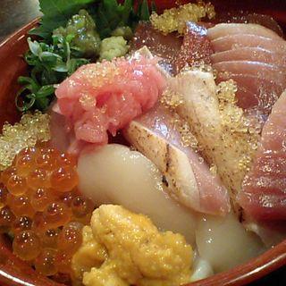 海鮮丼(中津1丁目 まぐろや (【旧店名】鮪のやっさん))
