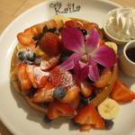 カイラ・オリジナル・ワッフル トッピング全部のせ(Cafe Kaila舞浜店 )