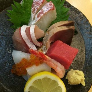 作り盛り合わせ(にぎり鮨 魚魚 (さかなさかな))
