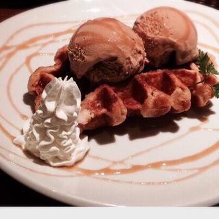 【ワッフル】 メープル~キャラメルアイス添え~チョコレート~バニラアイス添え~(アンディカフェ (Andy Cafe))