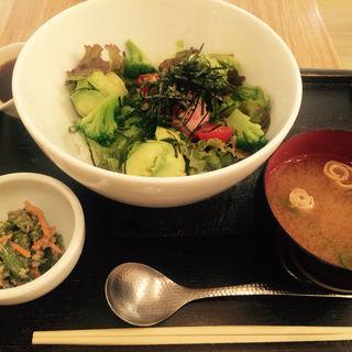 茶鍋ランチセット(丼)(茶鍋カフェ kagurazaka saryo 渋谷マークシティ店 (サリョウ))