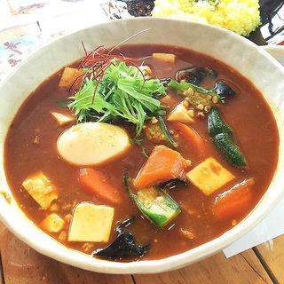 納豆キーマトーフのスープカレー(トムトムキキル (tom tom kikir))