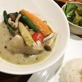 9種野菜と鶏肉のごろっとタイカレー(Green)(Thai's 札幌パセオ店)