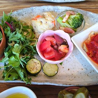 野菜と玄米の日替り健康定食(ベジ畑カフェ小町)