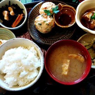 豆腐と鶏ひき肉のハンバーグランチ(cafe 紅)
