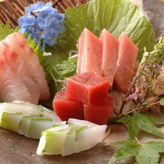 「境港・三崎港直送」本日の鮮魚お造り(蛍の庭)