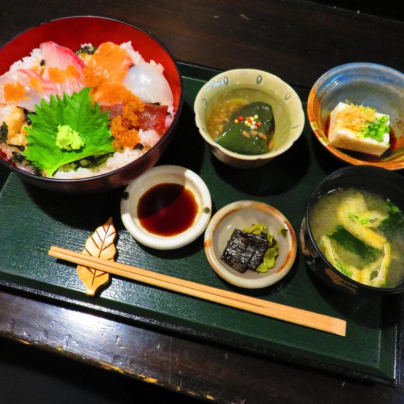 旨魯の海鮮丼