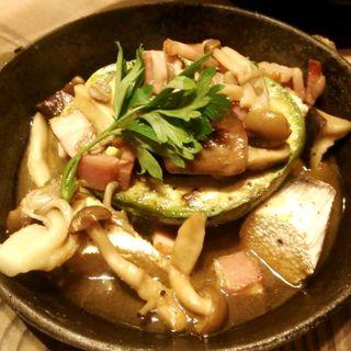 アボカドのオーブン焼き(美山cafe 梅三小路店 (ミヤマカフェ))