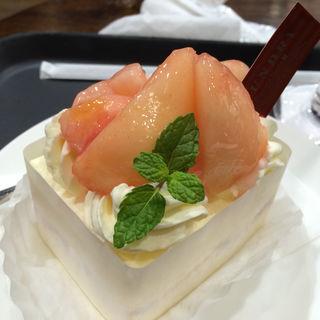 桃と阿寒湖酪農家のショートケーキ(FOUNDRY(ファウンドリー))